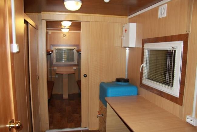 комнатки в жилых вагончиках фото собак